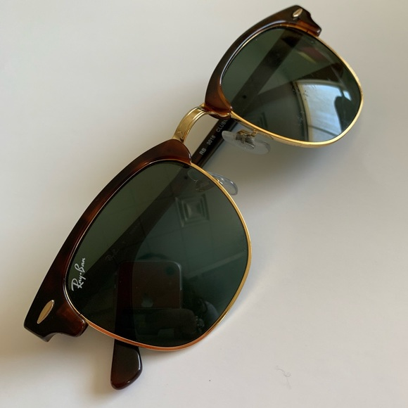 ray ban clubmaster gold trim